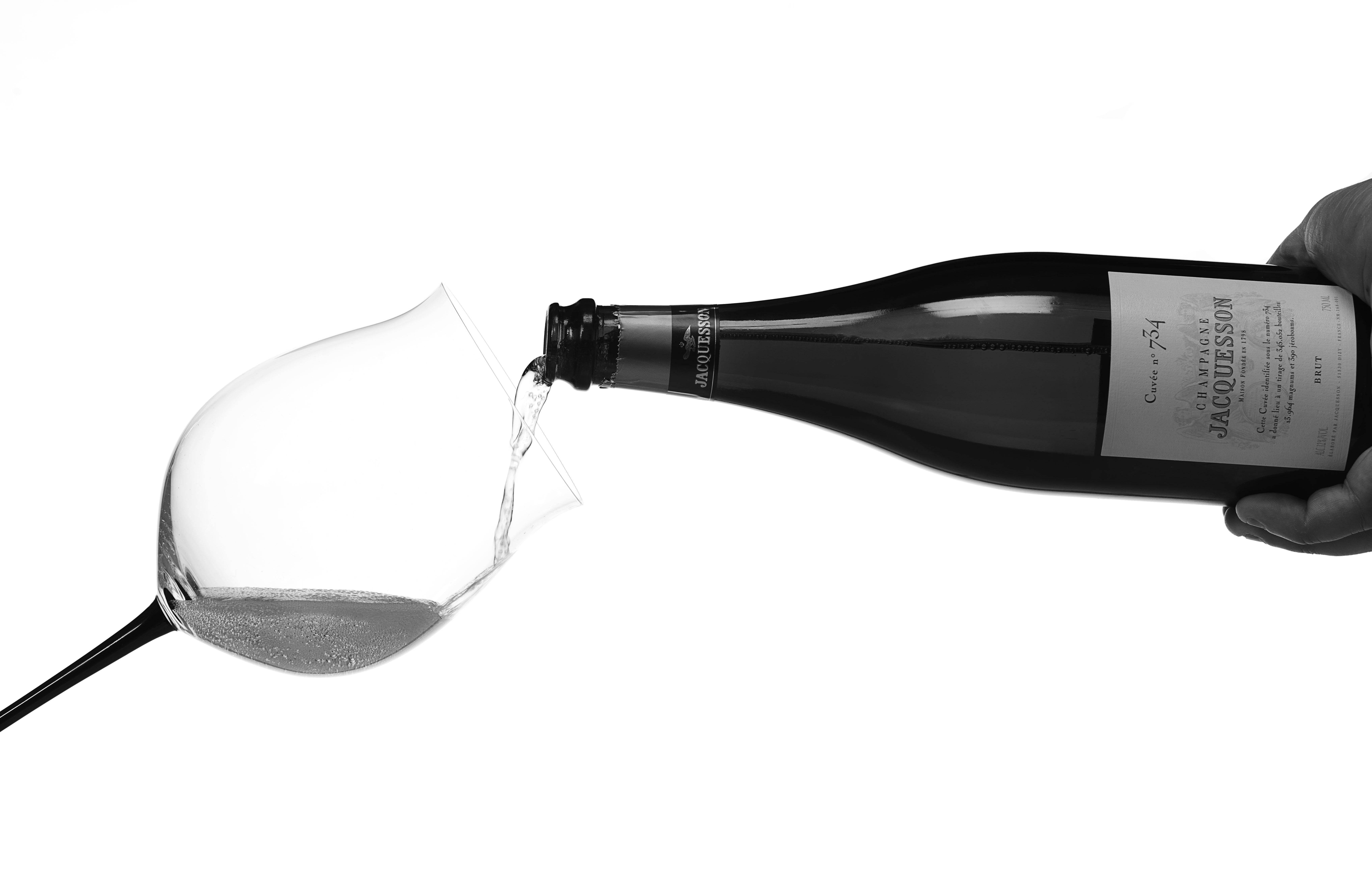 Servering & dekantering av champagne4(mindre)