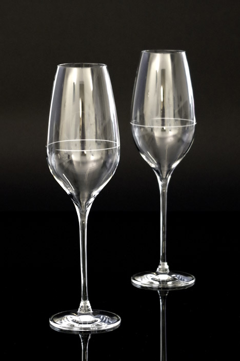 Richard-Juhlin-Optimum-champagne-glass-by-Claesson-Koivisto-Rune-b_dezeen_468_5